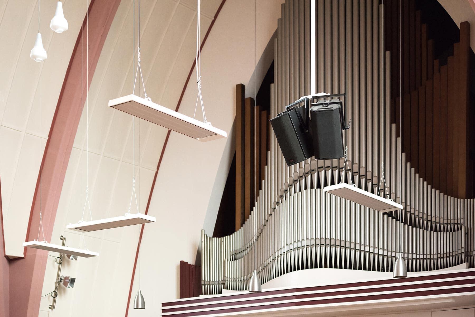 Kerk voorzien van infrarood warmtestralers - Harderwijk